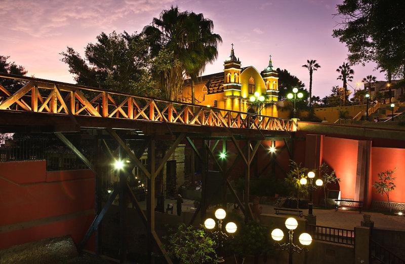 Puente_de_los_Suspiros_de_noche